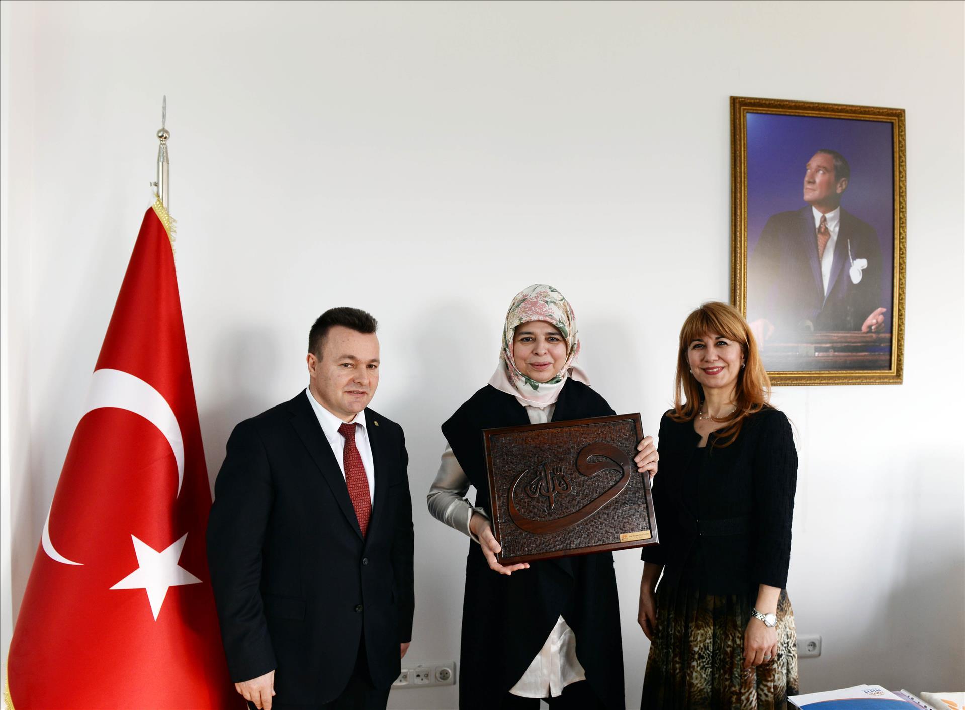 Başbakan Yardımcısı Numan Kurtulmuş'un Eşi Prof. Dr. Sevgi Kurtulmuş Üniversitemize Ziyarette Bulundu