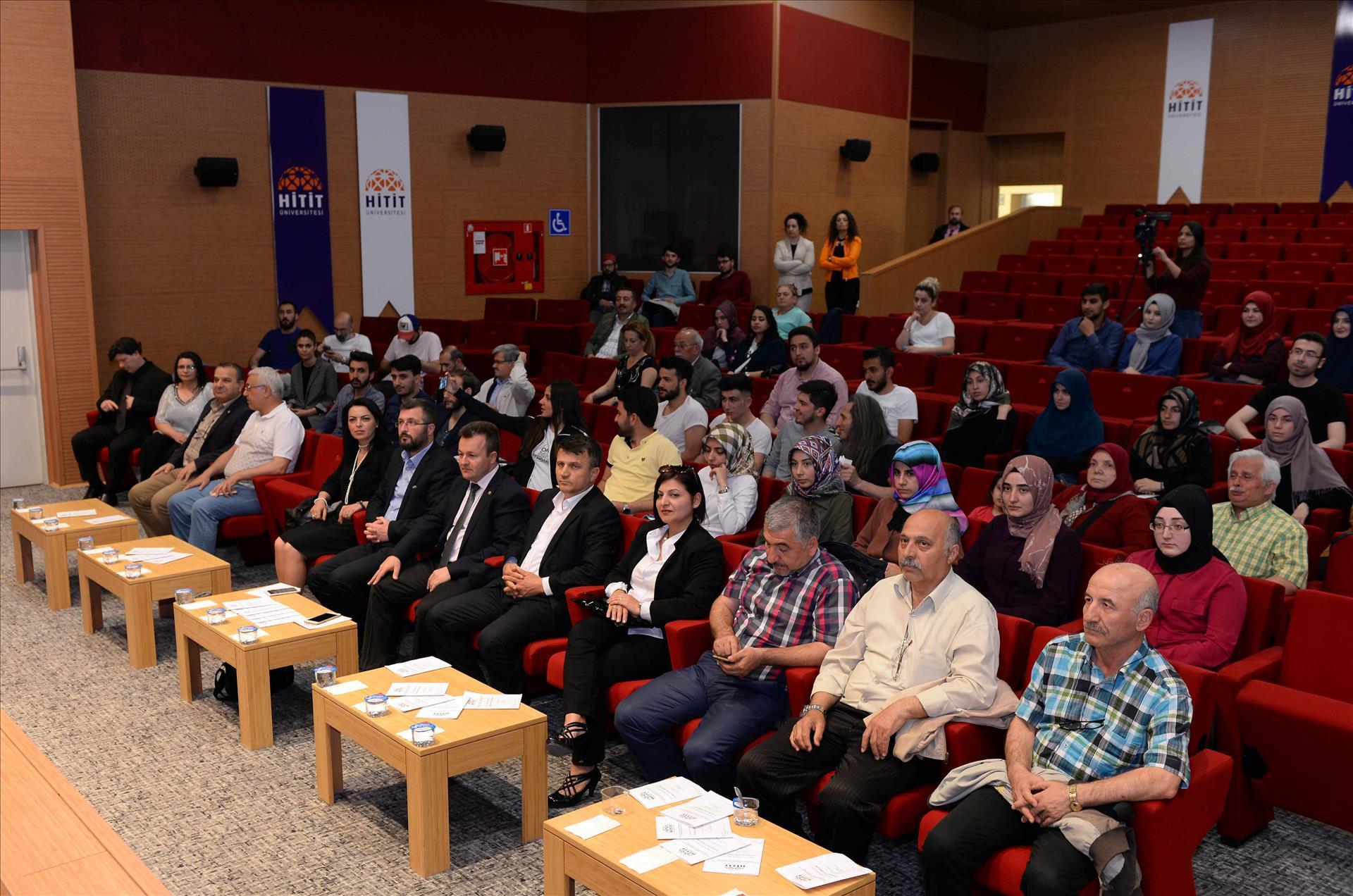 """Üniversitemizde """"Kahramanlık Türküleri"""" Konulu Program Düzenlendi"""
