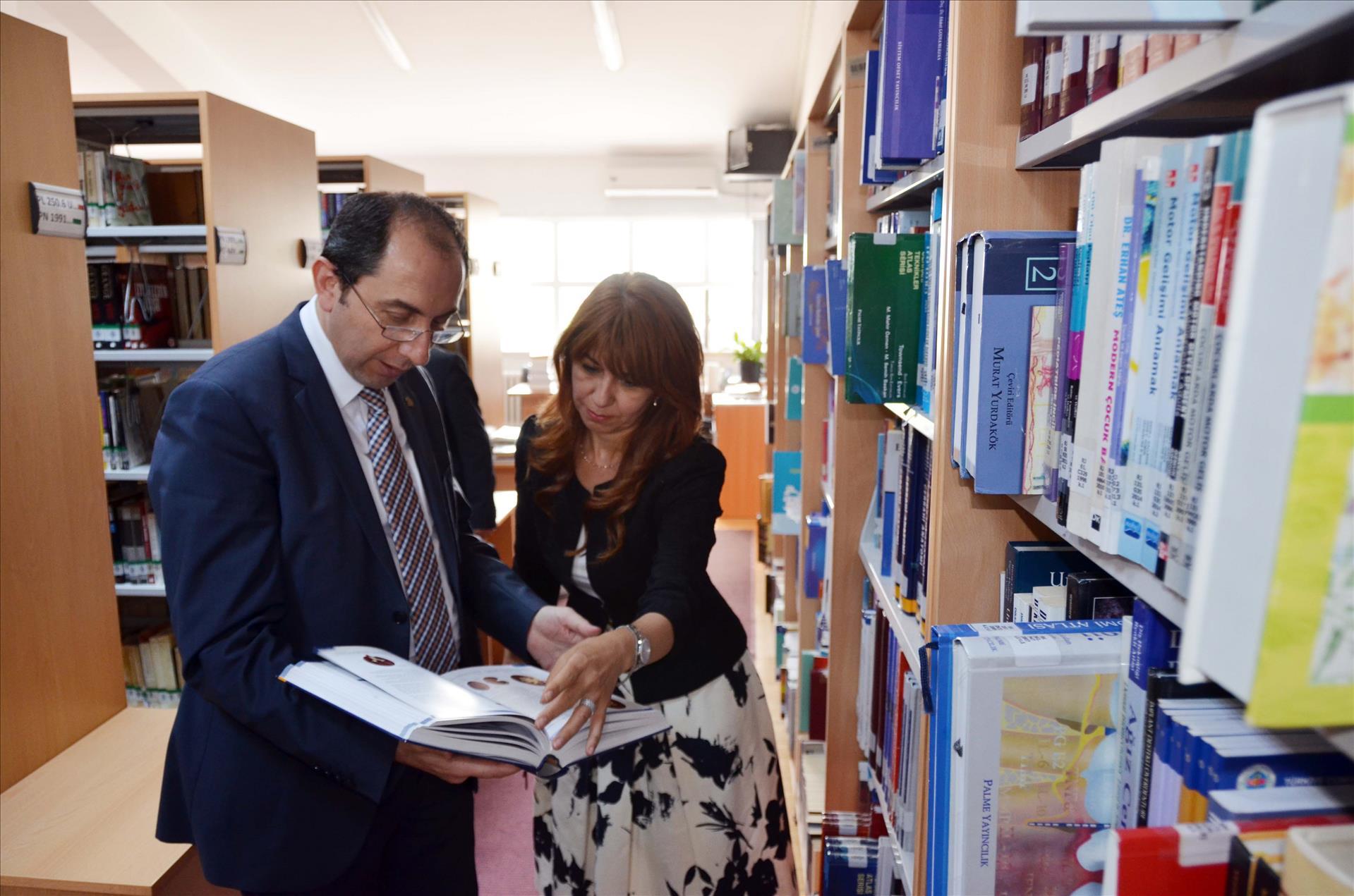 Üniversitemiz Kütüphanelerindeki Kaynak Sayımız 400.000'i Aştı