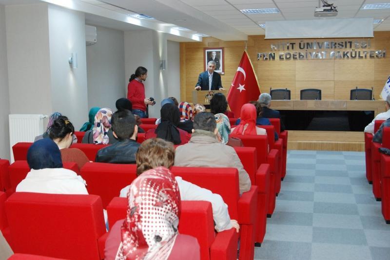 Fen Edebiyat Fakültesi'nde Çanakkale Zaferi'nin 98. Yıldönümü ve Şehitleri Anma Günü