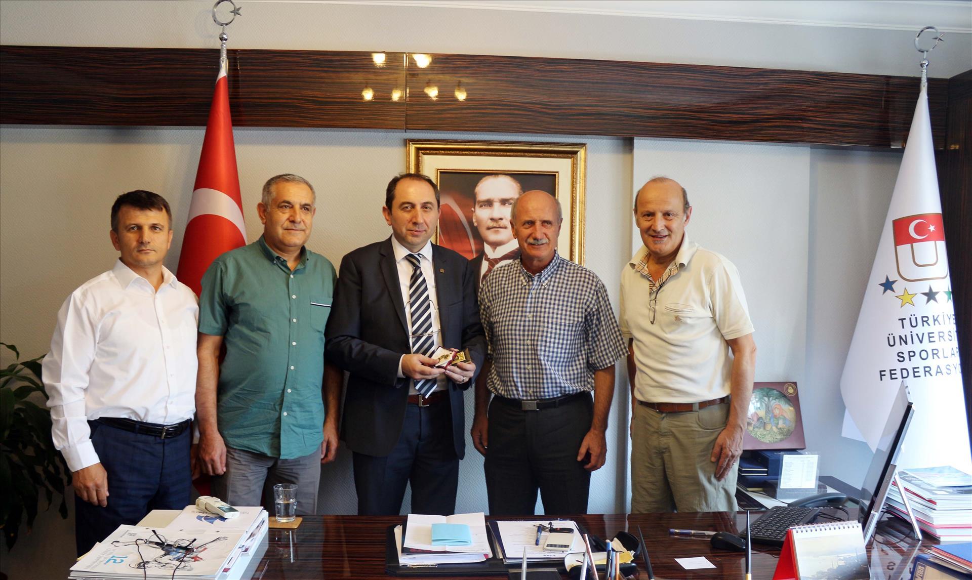 Rektörümüz Türkiye Üniversite Sporları Federasyon Başkanı Tamer'i Ziyaret Etti