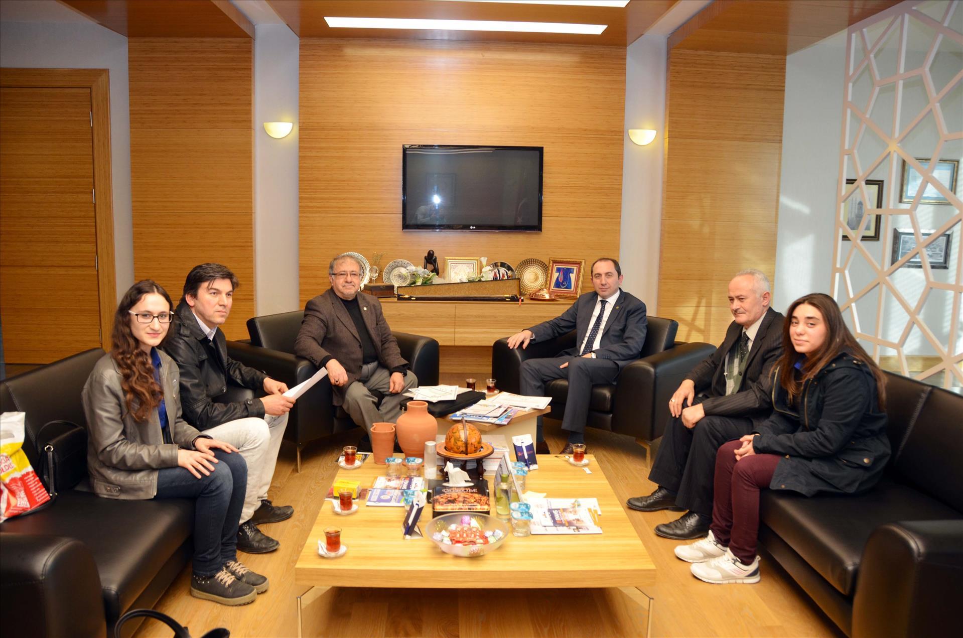 Türkiye Yeşilay Cemiyeti Çorum Şubesi Rektörümüzü Ziyaret Etti
