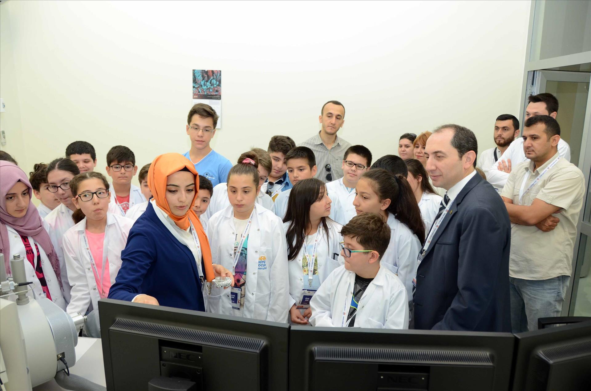 Rektörümüz HİTÜ Çocuk Üniversitesi 2016-Yaz Dönemi Etkinliklerini Ziyaret Etti