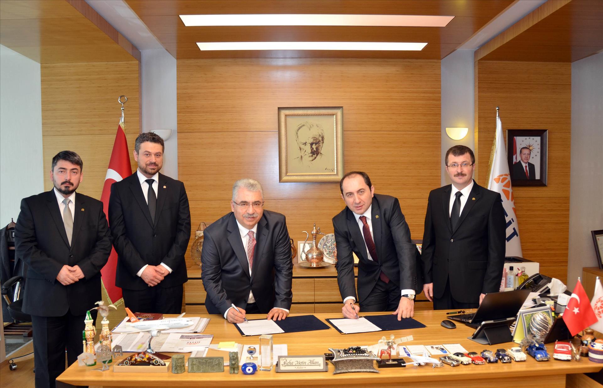 Üniversitemiz ile Ahlatçı Altın AŞ Arasında İşbirliği Protokolü İmzalandı