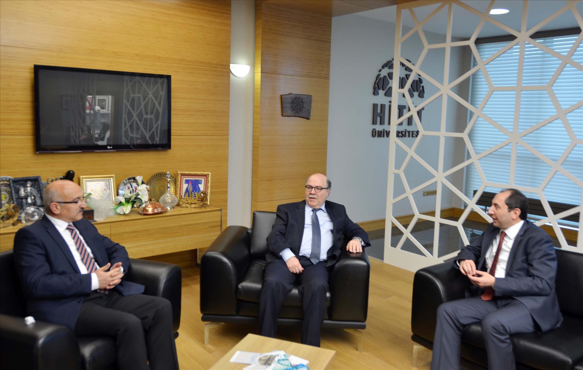 MEB Müsteşar Yardımcısı Doç. Dr. Çolakoğlu'ndan Rektörümüze Ziyaret
