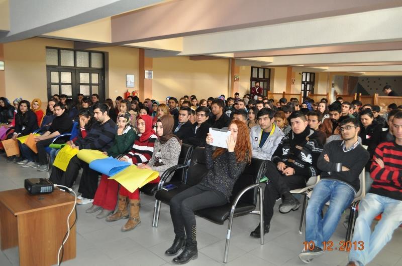 """""""Engelsiz Üniversite Farkındalık Buluşmaları""""na Osmancık Ömer Derindere MYO İle Devam Edildi"""