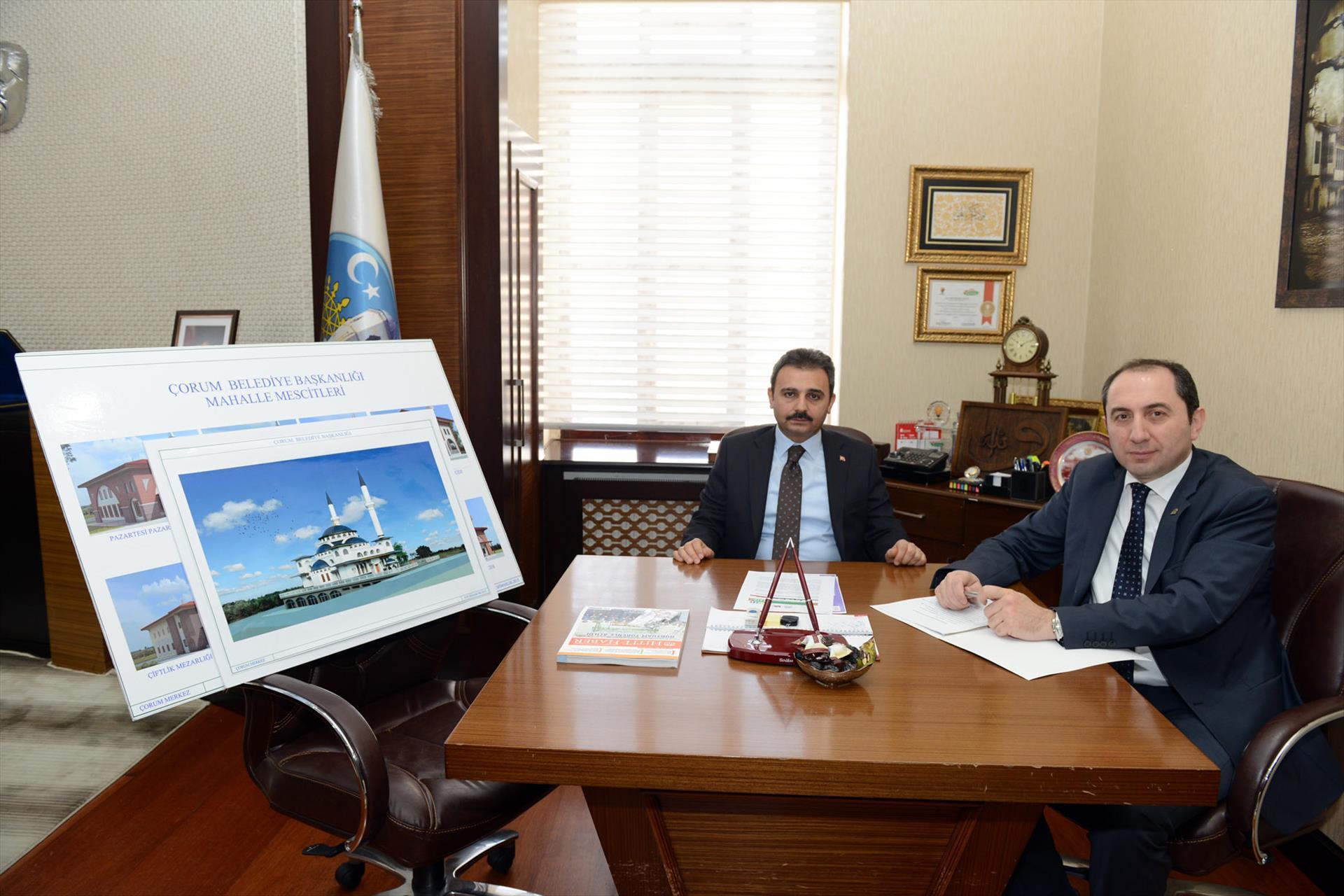 Rektörümüz Çorum Belediye Başkanını Ziyaret Etti