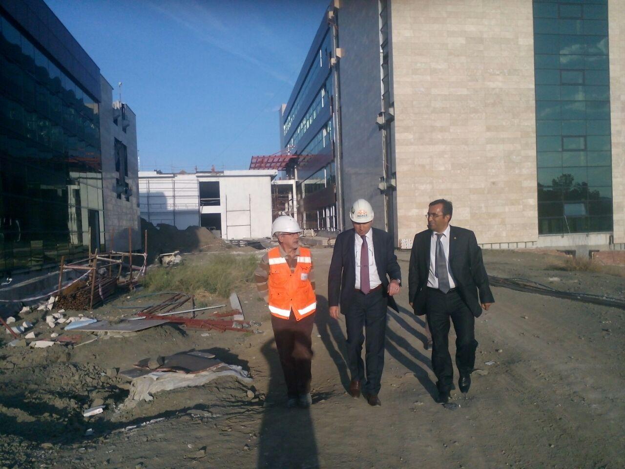 Rektörümüz Sungurlu MYO Kampüsü İnşaatında İncelemelerde Bulundu