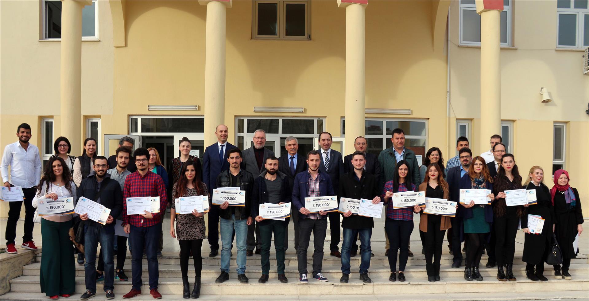 İİBF'de Girişimcilik Sertifikaları Törenle Dağıtıldı