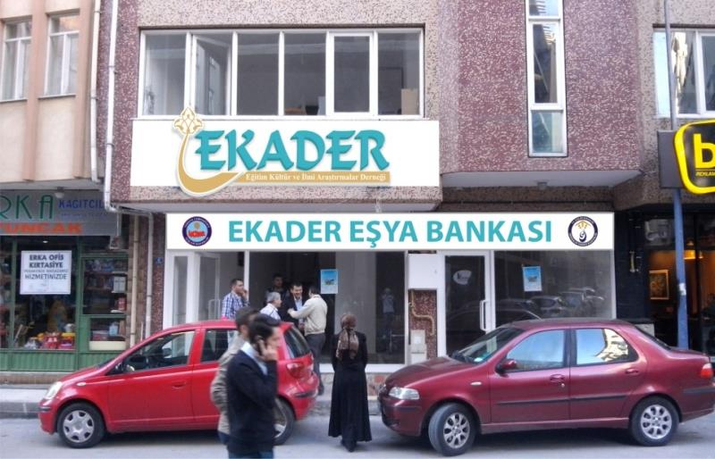 """Üniversitemizin Ortaklığında """"EKADER Eşya Bankası"""" Hayata Geçiyor"""