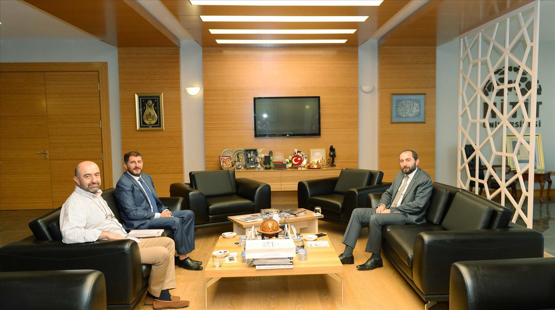 ECE Holding Yönetim Kurulu Başkanı Erdem Çenesiz Rektörümüzü Ziyaret Etti