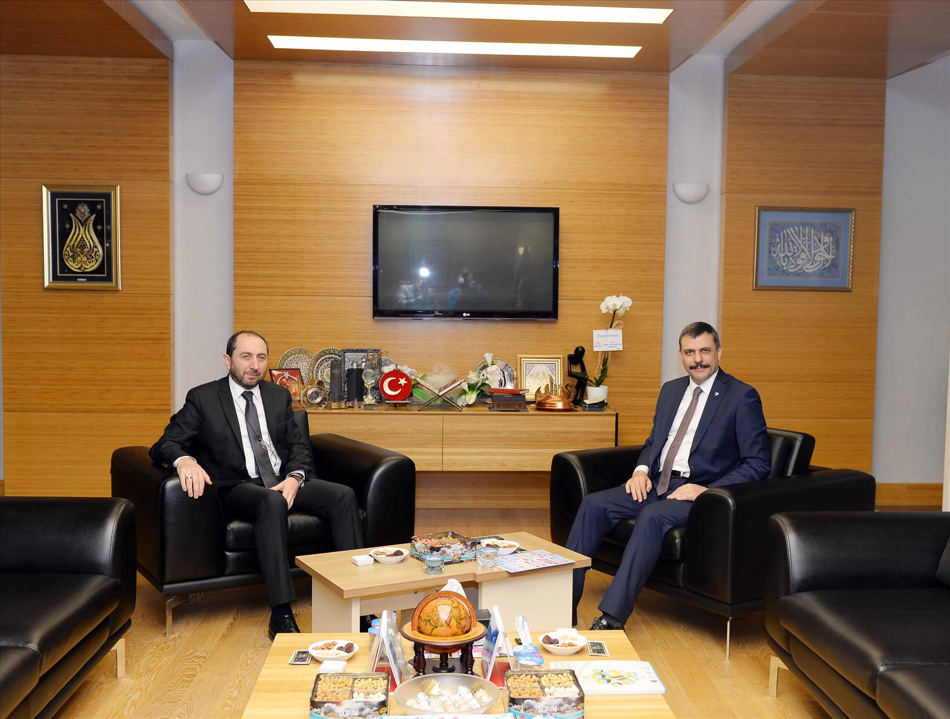 Çorum Valisi Mustafa Çiftçi'den Rektörümüze İade-i Ziyaret
