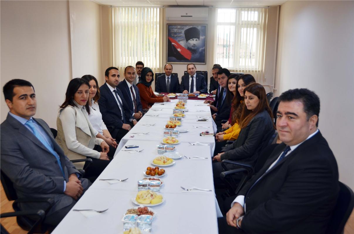 Rektörümüz Osmancık Ömer Derindere MYO Öğretim Elemanlarıyla Bir Araya Geldi