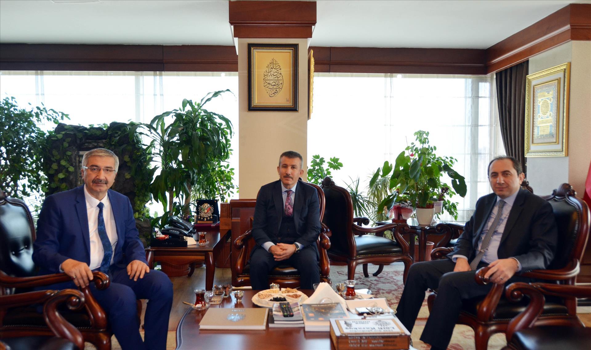Çorum Valisi ve Rektörümüzden Ankara Büyükşehir Belediyesi Genel Sekreterine Ziyaret