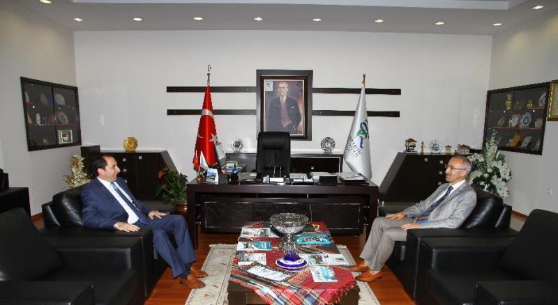 Rektörümüzden Recep Tayyip Erdoğan, Gümüşhane ve Erzincan Üniversitesi Rektörlerine Ziyaret