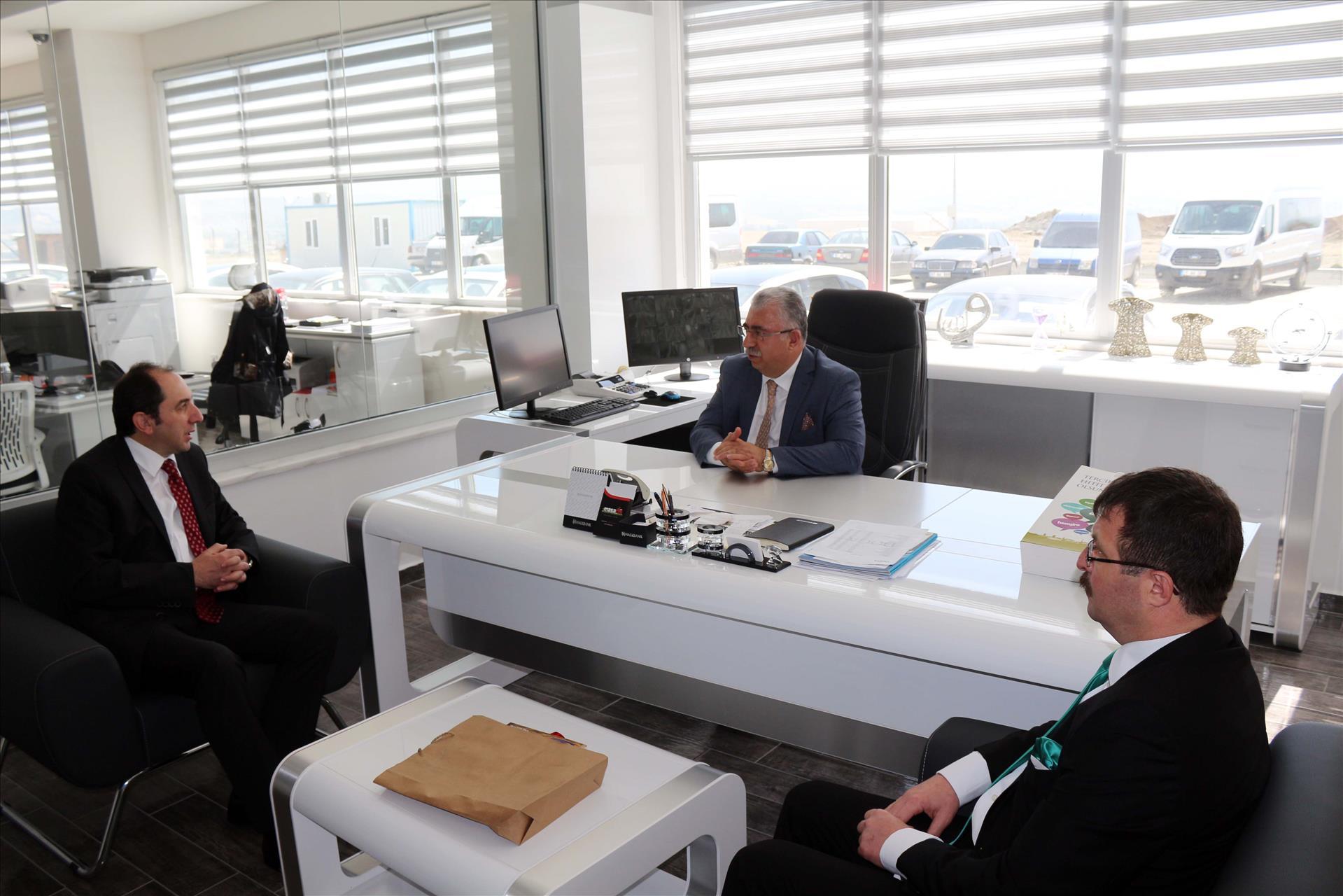 Rektörümüz İşadamı Ahmet Ahlatçı'yı Ziyaret Etti