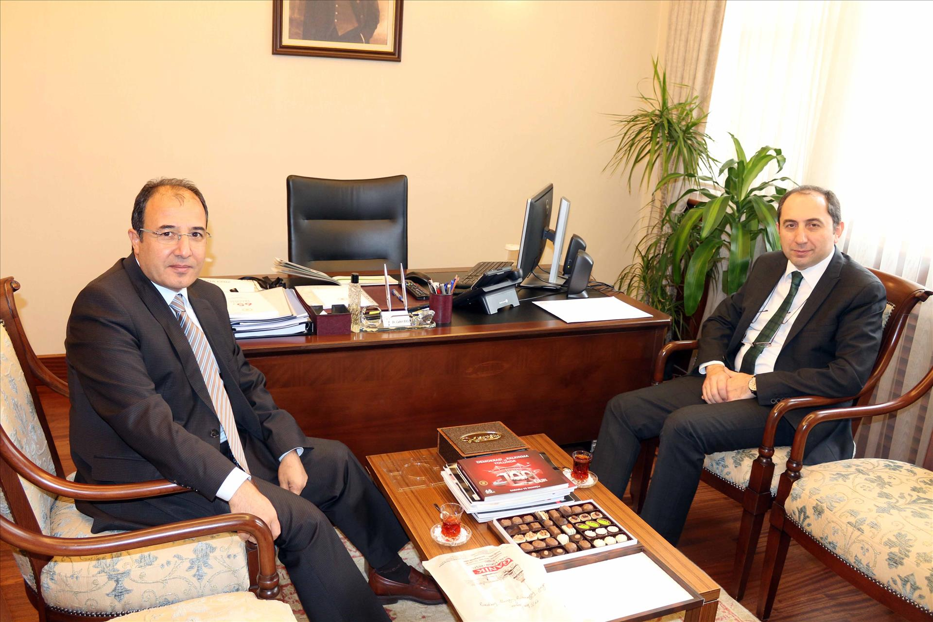 Rektörümüzden Başbakan Başmüşaviri Dr. Cahit Bağcı'ya Hayırlı Olsun Ziyareti