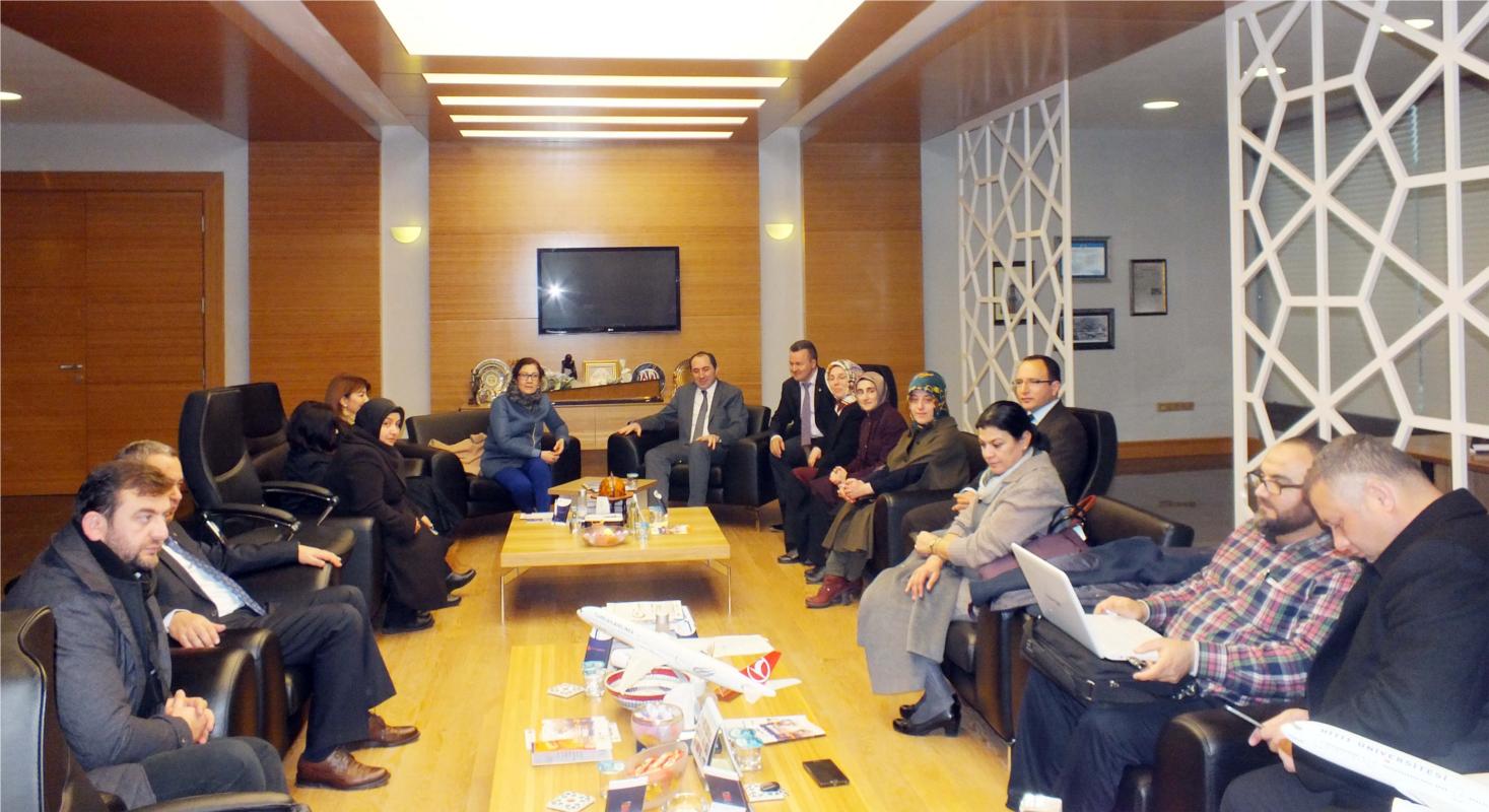 AK Parti Çorum Milletvekili Lütfiye İlksen Ceritoğlu Kurt Rektörümüzü Ziyaret Etti