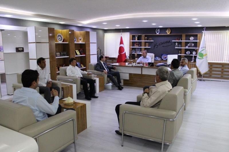 Rektörümüz Sungurlu Belediye Başkanı Abdulkadir Şahiner'i Ziyaret Etti