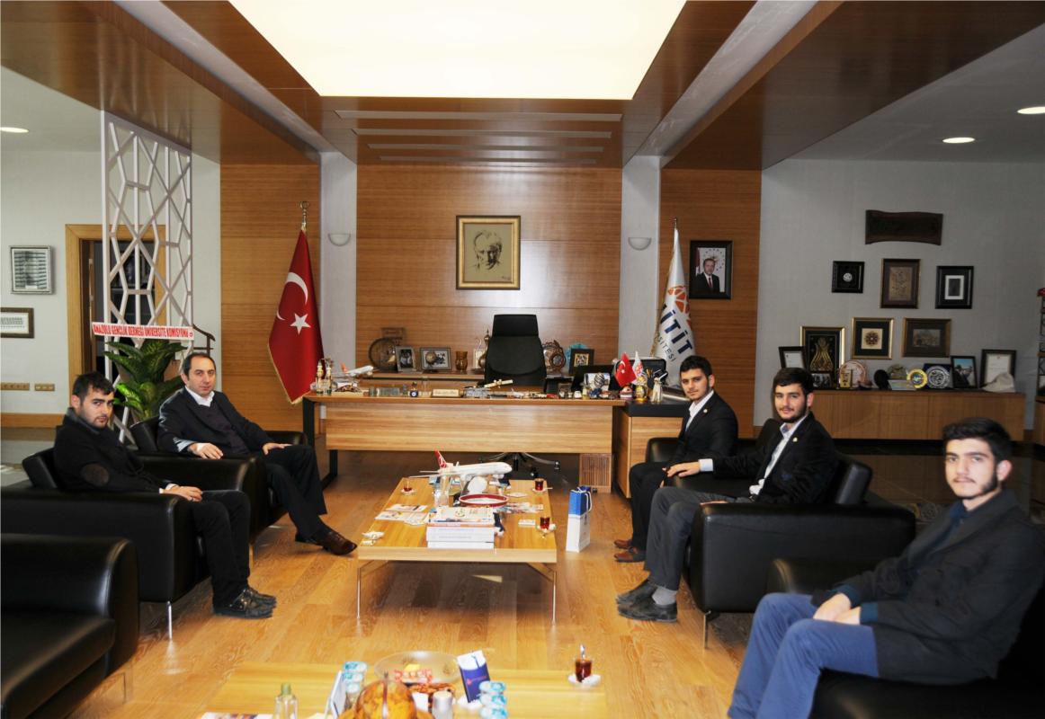 Anadolu Gençlik Derneği Üniversite Komisyonu Rektörümüzü Ziyaret Etti