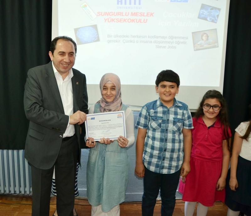 Sungurlu Meslek Yüksekokulumuzda Çocuklara Yönelik Yazılım Eğitimi Verildi