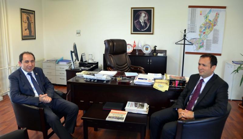 Rektörümüz TOKİ Finansman Dairesi Başkanı Ayhan Karaca ile Görüştü