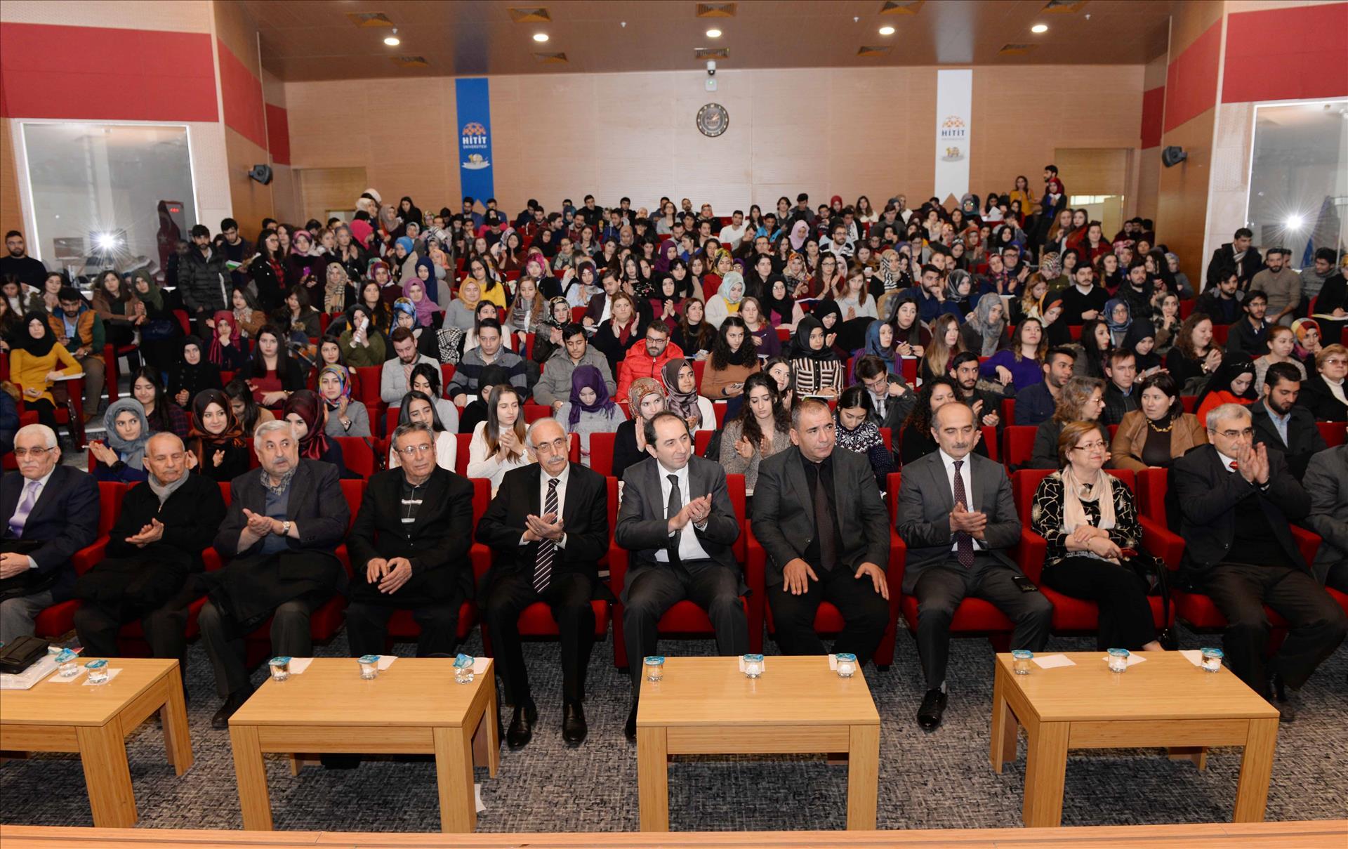 """Üniversitemizde """"Bayrak ve Dua Şairi Arif Nihat Asya"""" Konulu Konferans Düzenlendi"""