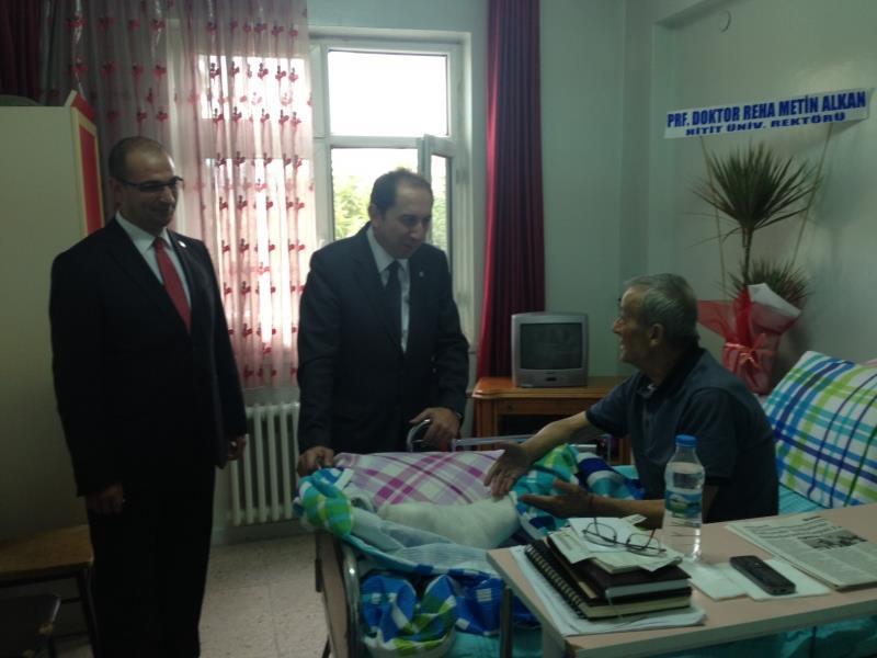 Rektörümüz Orhan Güçlü'ye Geçmiş Olsun Ziyaretinde Bulundu
