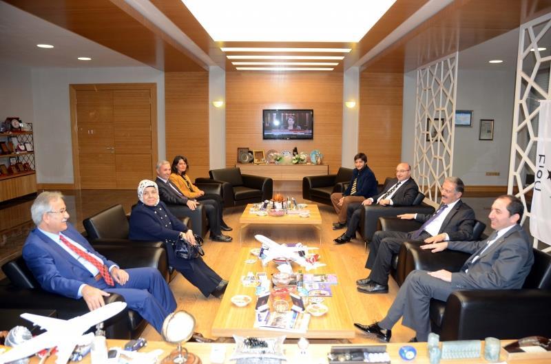 """Bartın Üniversitesi Rektörü Üniversitemizde """"Köy Gerçekliği Bağlamında Köy Romanı"""" Konulu Konferans Verdi"""