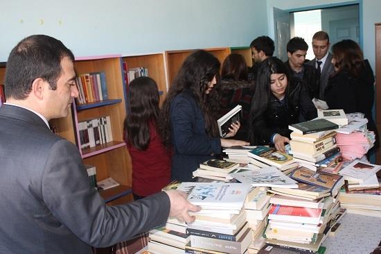 Üniversitemiz Aktif Yaşam Kulübü Kitap Toplama Kampanyasını Tekrarlıyor