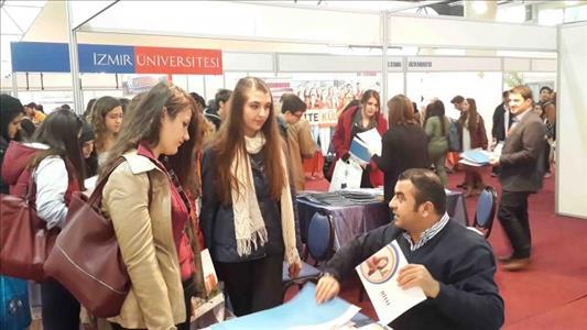 Üniversitemiz Tanıtım Etkinliklerinde İzmirli Öğrencilerle Buluştu