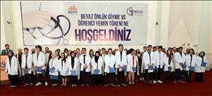 Tıp Fakültesi Öğrencilerimiz Beyaz Önlüklerini Giyerek Eğitimlerine Başladı