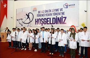 Tıp Fakültesi Öğrencilerimize İlk Beyaz Önlükleri Giydirildi