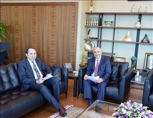 Rektörümüzden Halkbank Genel Müdürü Arslan'a Tebrik Ziyareti