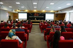 """""""Üniversitenin Turizme, Turizmin Üniversiteye Katkısı'' İsimli Konferans Düzenlendi"""