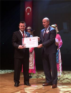 Üniversitemiz Halk Bilimine Katkı Özel Ödülünü Kazandı
