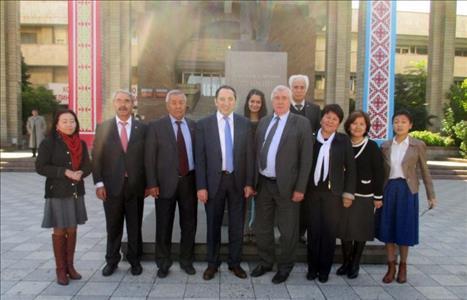 Rektörümüz Kırgızistan'da Bir Dizi Ziyarette Bulundu