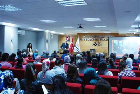 Prof. Dr. Ali Berat Alptekin Sarı Saltuk'la İlgili Bir Konferans Verdi