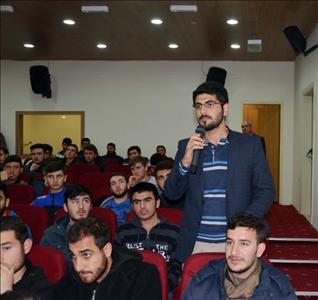 """Rektörümüz Akşemsettin Erkek Öğrenci Yurdunda """"Küresel Düşün Yerel Davran"""" Konulu Konferans Verdi"""