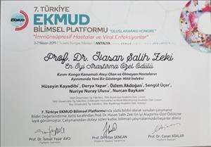 """Üniversitemiz Tıp Fakültesi Öğretim Üyelerine """"En İyi Araştırma"""" Ödülü"""