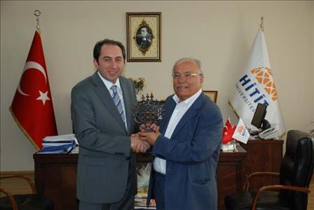 Feyzullah KIYIKLIK ve Prof. Dr. Halis AYHAN'dan Rektör ALKAN'a Ziyaret