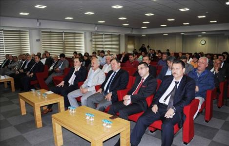 """""""Değer Yaratma ve Sürdürülebilir Gelişme İçin Üniversite ve Sektör İşbirliği"""" Konulu Konferans Veri"""