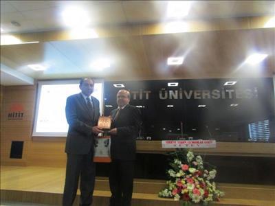 """Üniversitemizde """"İnovasyon, Üniversite – Sanayi İşbirliği ve Denizli Örneği"""" İsimli Konferans Veril"""