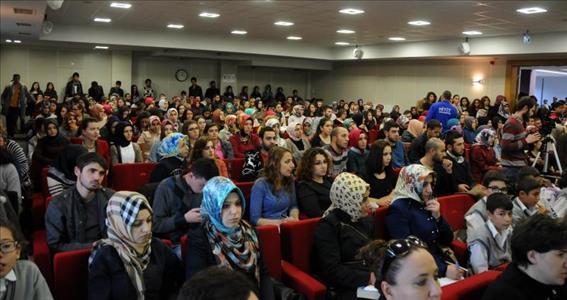 Gülten Dayıoğlu Üniversitemizde Okurlarıyla Buluştu