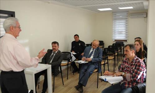 HİTİTSEM'den İl Emniyet Müdürlüğü Personeline İngilizce Konuşma Eğitimi