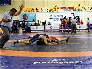 Üniversitelerarası Türkiye Güreş Şampiyonası Başladı