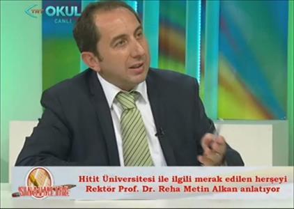 """Rektör ALKAN TRT OKUL 'da Yayınlanan """"Sınavmetre"""" Programının Konuğu Oldu"""