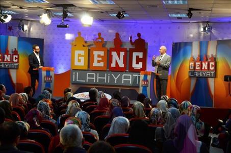 """""""Genç İlahiyat"""" Diyanet Tv Programı Fakültemiz Öğrencileriyle Buluştu"""