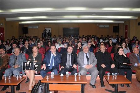 """""""Osmanlı'dan Cumhuriyet'e Açılan Pencere: Kemal TAHİR"""" Paneli Yapıldı"""