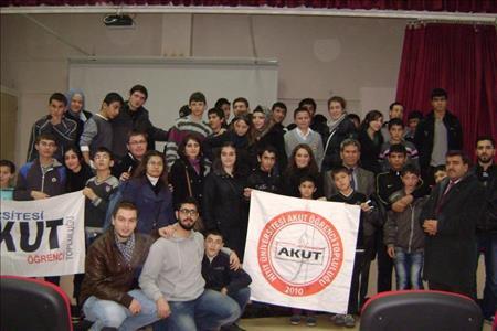 Üniversitemiz AKUT Öğrenci Kulübünden Sevgi Evlerine Ziyaret